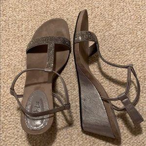 Style & Co Sz11 pewter wedge heels